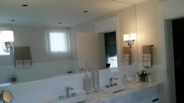 Espelho de bancada de banheiro